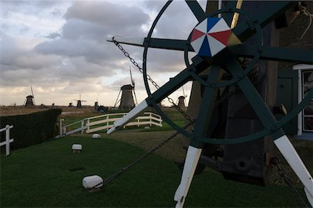 simsearch:600-00954324,k - Windmills, Kinderdijk, Netherlands Fotografie stock - Rights-Managed, Codice: 700-01742885
