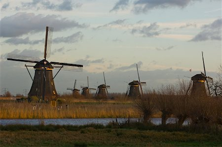 simsearch:600-00954324,k - Windmills, Kinderdijk, Netherlands Fotografie stock - Rights-Managed, Codice: 700-01742886