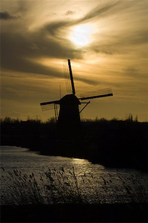 simsearch:600-00954324,k - Windmill, Kinderdijk, Netherlands Fotografie stock - Rights-Managed, Codice: 700-01742887