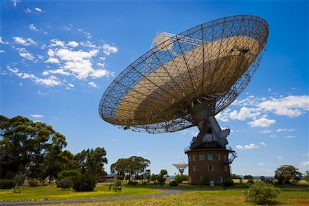 radio telescope - Parkes Observatory, Parkes, New South Wales, Australia Stock Photo - Rights-Managed, Code: 700-01880121