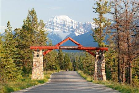 road landscape - Entrance to Jasper Park Lodge, Jasper National Park, Alberta, Canada Stock Photo - Rights-Managed, Code: 700-02010307