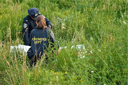 dead female body - Police Officers with Woman's Body in Field, Toronto, Ontario, Canada Stock Photo - Rights-Managed, Code: 700-02348203