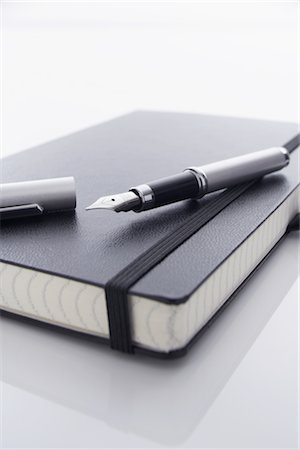 silhouette black and white - Fountain Pen and Notebook Stock Photo - Rights-Managed, Code: 700-02371456