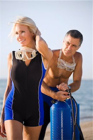 seniors woman in swimsuit - Divers Stock Photo - Rights-Managed, Code: 700-02385984