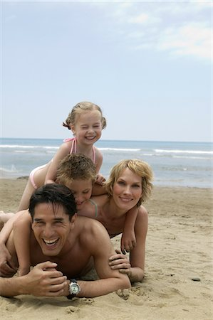 Portrait of Family on Beach Stock Photo - Rights-Managed, Code: 700-02645914