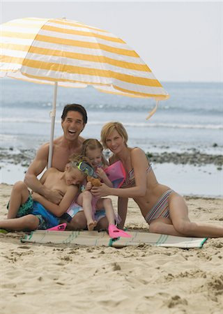 Portrait of Family on Beach Stock Photo - Rights-Managed, Code: 700-02645910