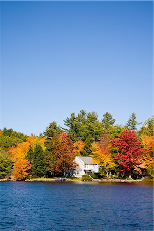 House on Lake, Vermont, USA Stock Photo - Rights-Managed, Code: 700-02669717
