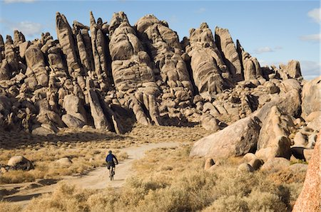 Man Mountain Biking, Alabama Hills, Lone Pine, Inyo County, Owens Valley, Sierra Nevada Range, California, USA Stock Photo - Rights-Managed, Code: 700-02686538