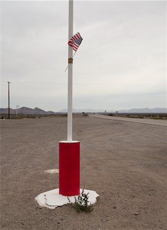 david zimmerman - American Flag on Pole, Southern California, USA Stock Photo - Rights-Managed, Code: 700-02694073