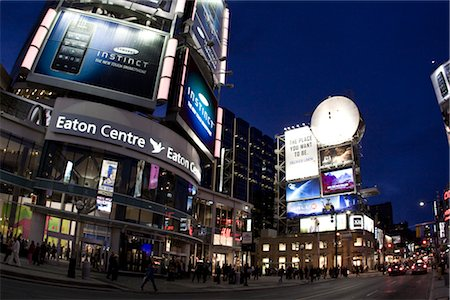 Centre Eaton, Yonge Street, Toronto, Ontario, Canada Photographie de stock - Rights-Managed, Code: 700-02694377