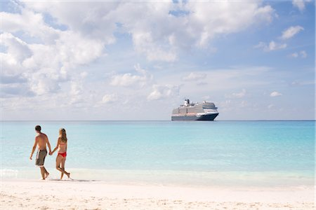 Couple and Cruise Ship, Bahamas Stock Photo - Rights-Managed, Code: 700-02798013