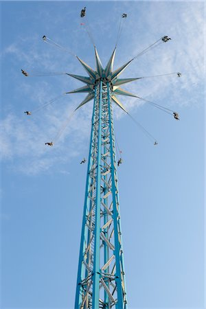 dpruter - Looking Up at a Tall Chair-o-plane Ride at Prater, Vienna, Austria Stock Photo - Rights-Managed, Code: 700-02990046