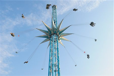 dpruter - Looking Up at a Tall Chair-o-plane Ride at Prater, Vienna, Austria Stock Photo - Rights-Managed, Code: 700-02990047