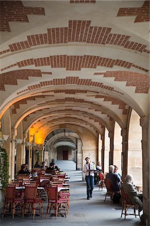 Place des Vosges, Le Marais, Paris, France Stock Photo - Rights-Managed, Code: 700-03068451