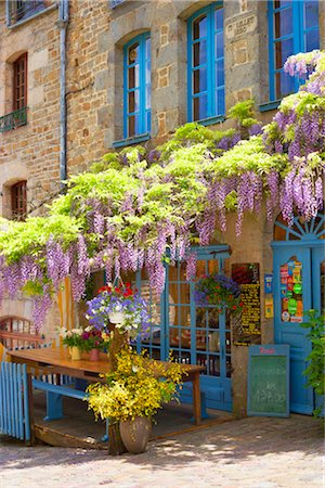 Cafe in Dinan, Ille-et-Vilaine, Brittany, France Stock Photo - Rights-Managed, Code: 700-03152902
