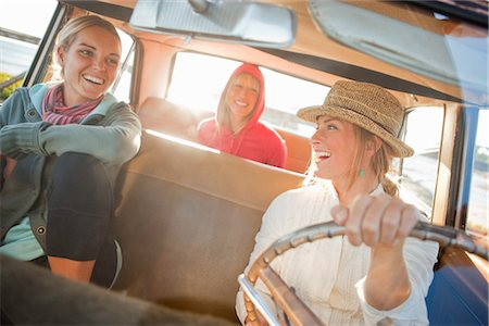 Group of Friends in a Vintage Car, Santa Cruz, California, USA Stock Photo - Rights-Managed, Code: 700-03295066