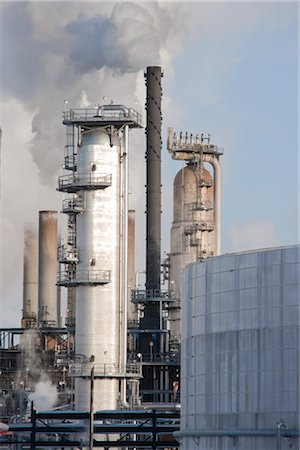 Oil Refinery. Edmonton, Alberta, Canada Stock Photo - Rights-Managed, Code: 700-03361663
