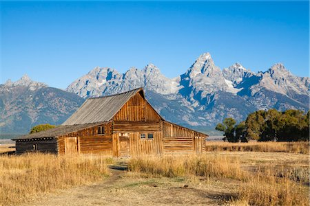 Old Barn in front of Grand Tetons, Grand Teton National Park, Wyoming, USA Stock Photo - Rights-Managed, Code: 700-03407448