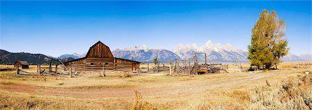 John Moulton Barn in front of Grand Tetons, Mormon Row, Jackson Hole, Grand Teton National Park, Wyoming, USA Stock Photo - Rights-Managed, Code: 700-03407453