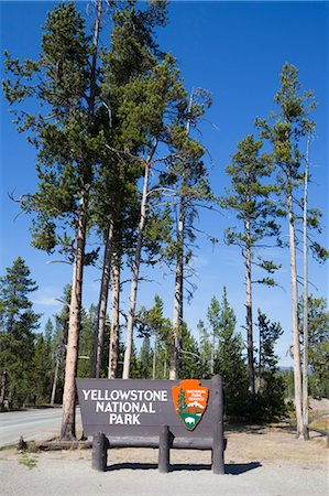 Yellowstone National Park South Entrance Sign, Wyoming, USA Stock Photo - Rights-Managed, Code: 700-03407462