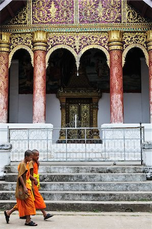 southeast asian - Monks at Wat Aphay, Luang Prabang, Laos Stock Photo - Rights-Managed, Code: 700-03407710
