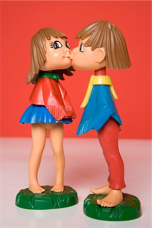 Kissing Dolls Stock Photo - Rights-Managed, Code: 700-03435257