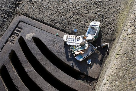Broken Cell Phone Stock Photo - Rights-Managed, Code: 700-03439594