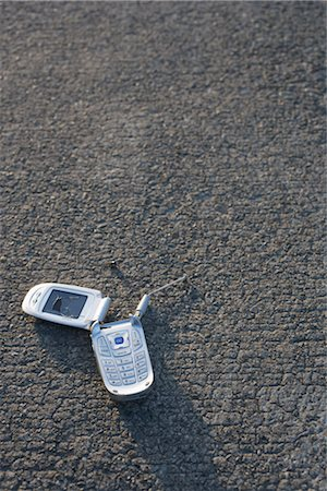 Broken Cell Phone Stock Photo - Rights-Managed, Code: 700-03439606