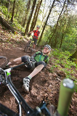 people falling - Man and Woman Mountain Biking on the Post Canyon Trail Near Hood River, Oregon, USA Stock Photo - Rights-Managed, Code: 700-03439938