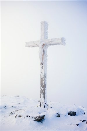 religious cross nobody - Snow Covered Crucifix on Summit of Lusen Mountain, Bavaria, Germany Stock Photo - Rights-Managed, Code: 700-03445826