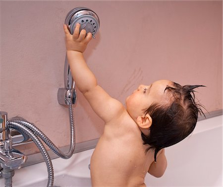 Baby Boy in Bathtub Stock Photo - Rights-Managed, Code: 700-03463140