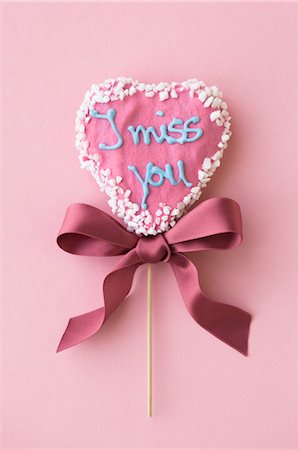 sweet   no people - Heart Shaped Lollipop Stock Photo - Rights-Managed, Code: 700-03478627
