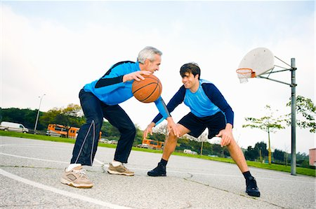 peter griffith - Father and Son Playing Basketball Stock Photo - Rights-Managed, Code: 700-03506303