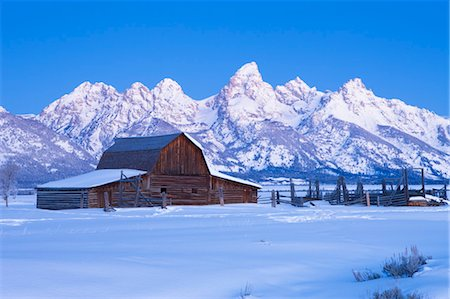Moulton Barn in Winter, Grand Teton Mountain National Park, Wyoming, USA Stock Photo - Rights-Managed, Code: 700-03501243