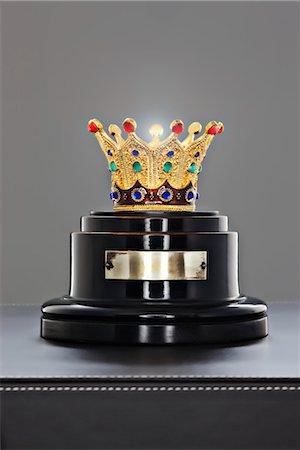 Crown on a Stand Stock Photo - Rights-Managed, Code: 700-03567696