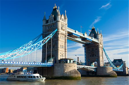 Tower Bridge Over the River Thames, London, England Stock Photo - Rights-Managed, Code: 700-03616014