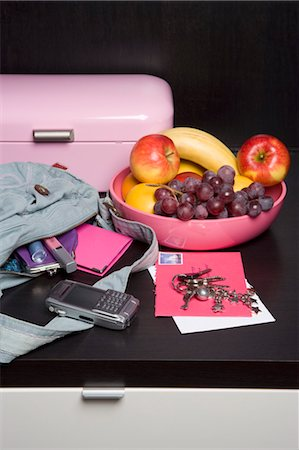 Handbag, Mail and Fruit Bowl Stock Photo - Rights-Managed, Code: 700-03622941