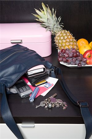 Handbag, Mail and Fruit Bowl Stock Photo - Rights-Managed, Code: 700-03622942
