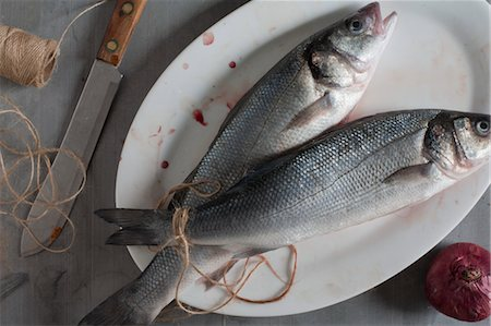 Raw Trout on Platter Stock Photo - Rights-Managed, Code: 700-03622997