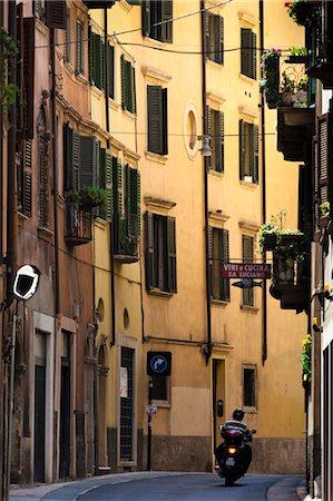 Verona, Veneto, Italy Stock Photo - Rights-Managed, Code: 700-03644440