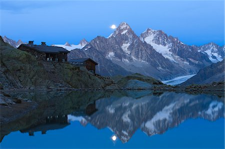 Chalet du Lac Blanc in front of Aiguilles de Chamonix, French Alps, France Stock Photo - Rights-Managed, Code: 700-03682505
