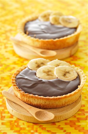 pair - Chocolate Banana Tartlets Stock Photo - Rights-Managed, Code: 700-03698238