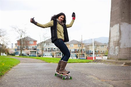 funky - Woman Skateboarding Stock Photo - Rights-Managed, Code: 700-03814991
