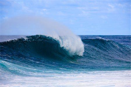 Breaking Wave on Pacific Ocean, Waimea Bay, Haleiwa, North Shore O'ahu, Hawaii Stock Photo - Rights-Managed, Code: 700-03849386