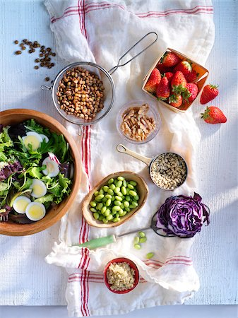 Salad in Bowl with Variety of Toppings Stock Photo - Rights-Managed, Code: 700-03849766
