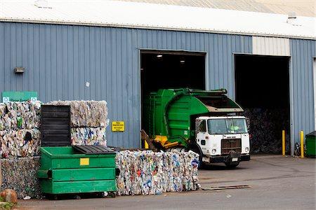 Garbage Truck at Recycling Depot, Kauai, Hawaii, USA Stock Photo - Rights-Managed, Code: 700-03891324