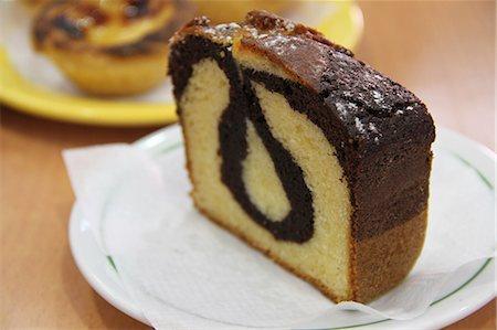 effect - Chocolate and Vanilla sponge swirl cake Stock Photo - Rights-Managed, Code: 824-06493259