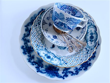 Blue and white antique china Stock Photo - Rights-Managed, Code: 824-07194143