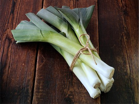 A bunch of home grown leeks Stock Photo - Rights-Managed, Code: 824-07194159