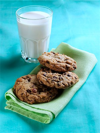 Cookies and milk Stock Photo - Rights-Managed, Code: 824-07193332